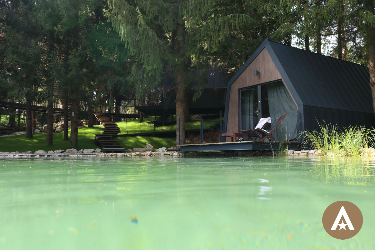 Plitvice Holiday Resort lakehouse