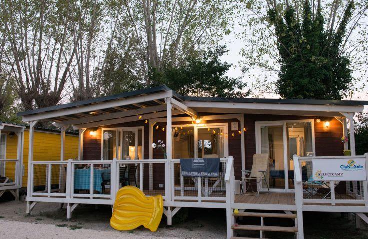 marina camping village luxe stacaravans aan de adriatische kust itali glampings. Black Bedroom Furniture Sets. Home Design Ideas