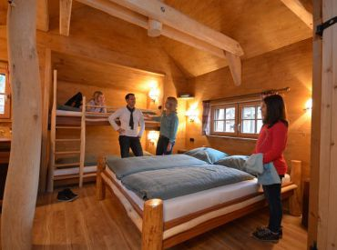 tripsdrill attractiepark cleebronn glamping duitsland glampings. Black Bedroom Furniture Sets. Home Design Ideas
