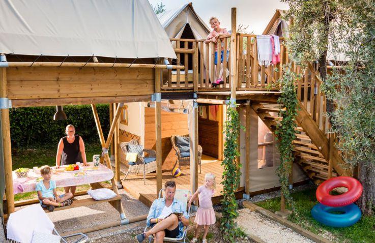 camping orlando luxe airlodges en lodgetenten in toscane glampings. Black Bedroom Furniture Sets. Home Design Ideas